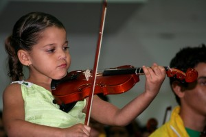 A young student of El Sistema in Venezuela